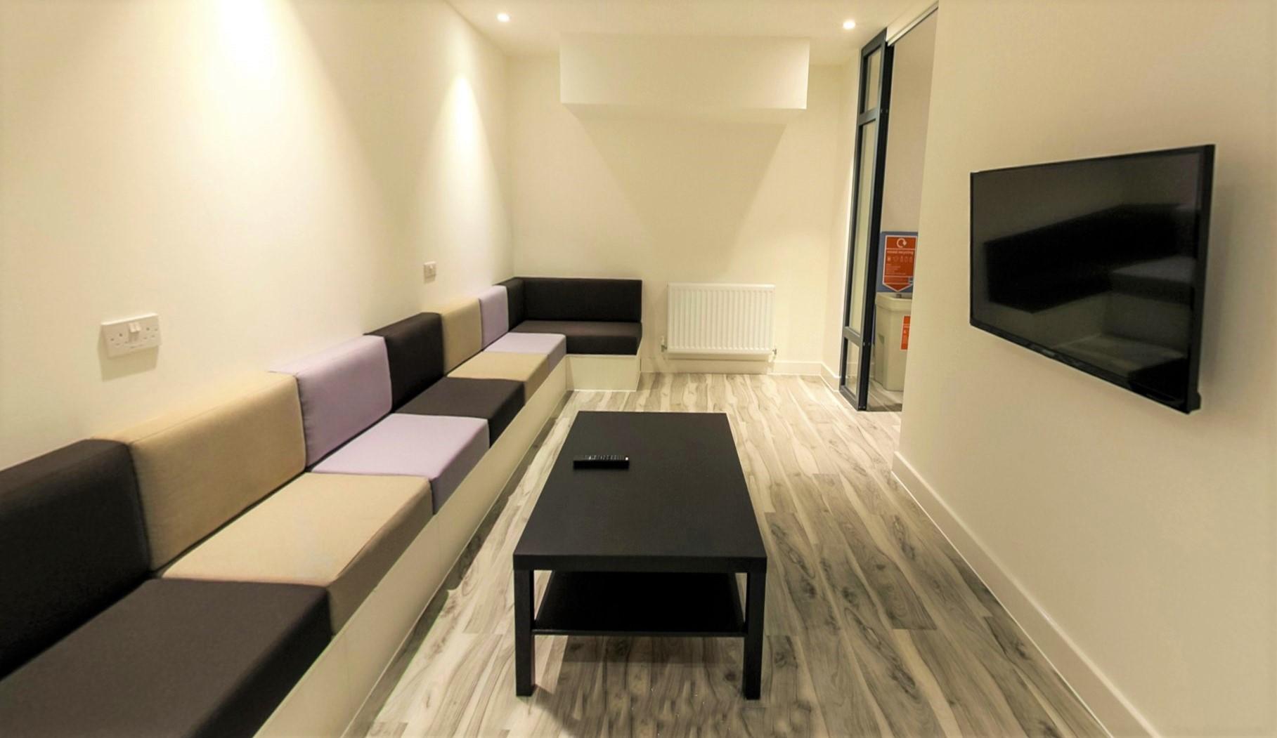 kingston-university-92c1ab9ce70-75penrhynroadcommonroom